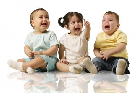 three toddlers crying